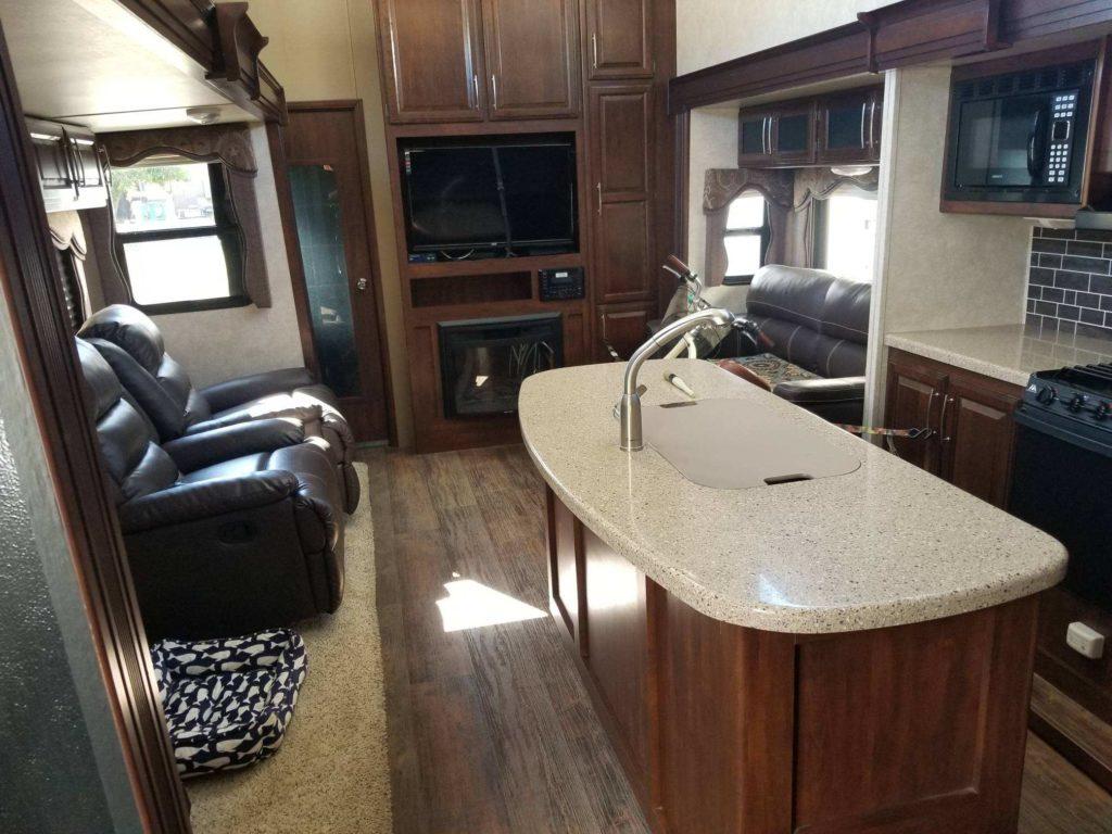 mobile-detail-rv-interior