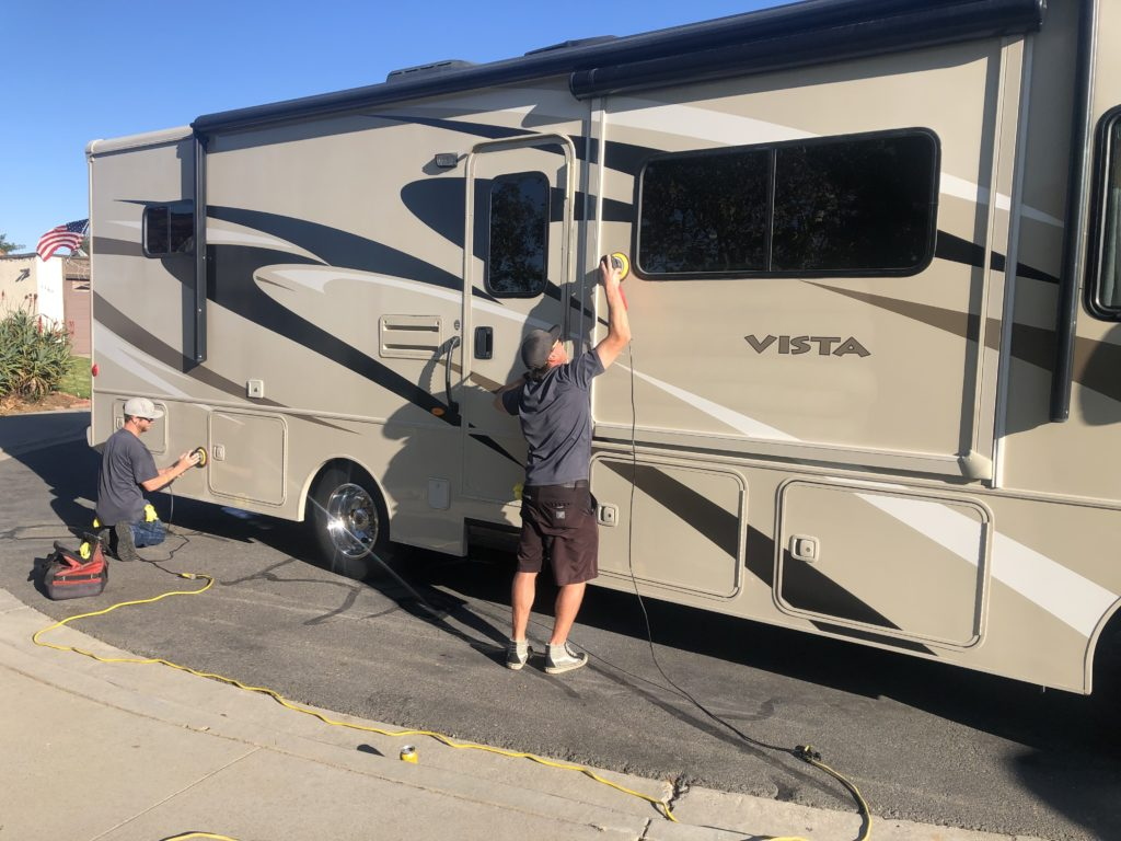 rv-detail-buffing-and-wax