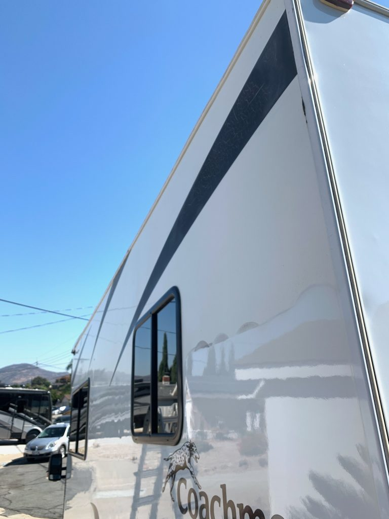 coachman-rv-exterior-mobile-detail