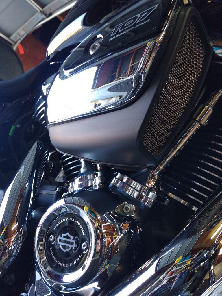 harley-davidson-mobile-motorcycle-detail