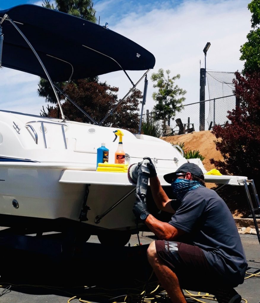 mobile-detail-boat-wax-and-clean