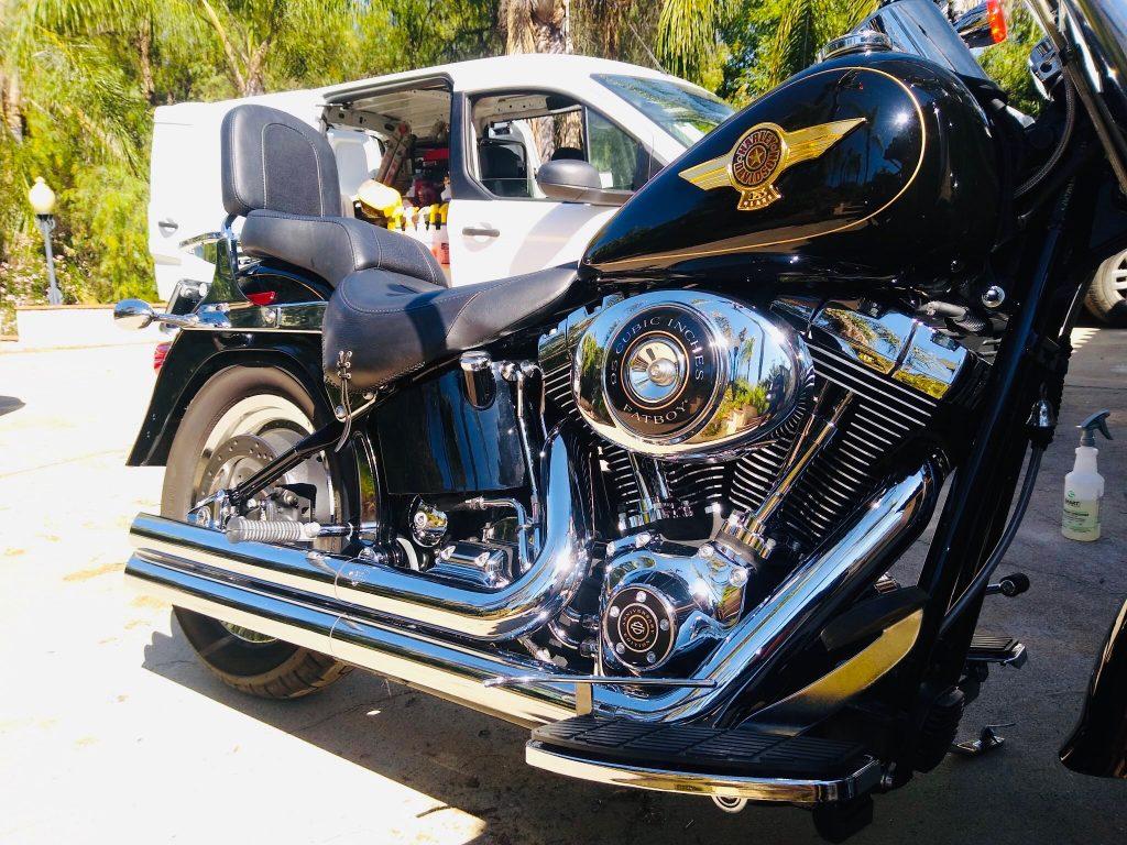 mobile-detail-harley-davidson-bike