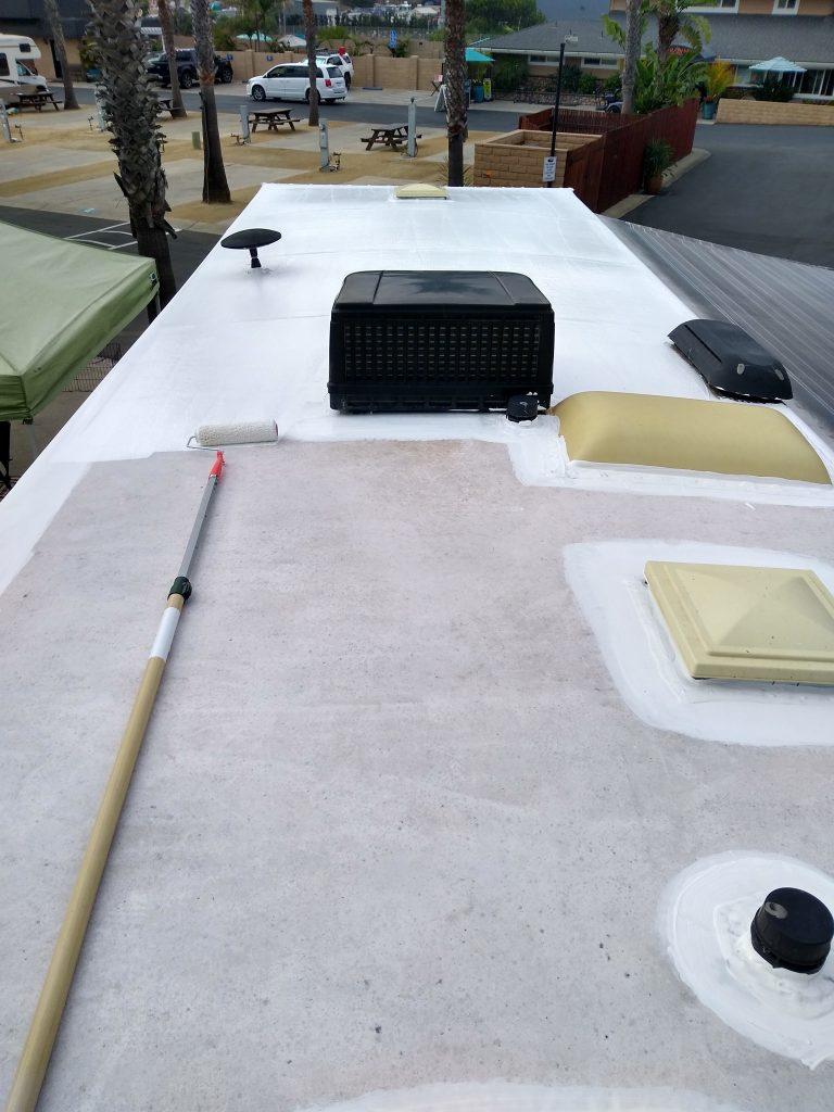 mobile-detail-motorhome-roof-clean