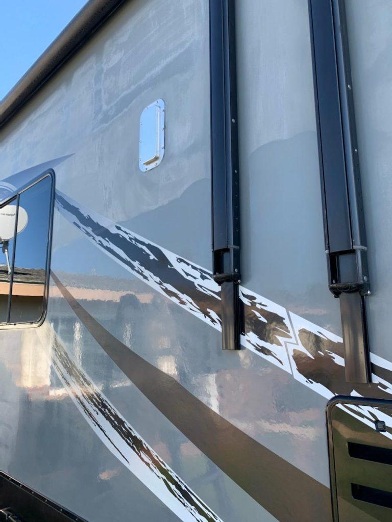 motorhome-rv-exterior-detail